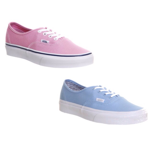 And of course Vans are an option as well💙💖