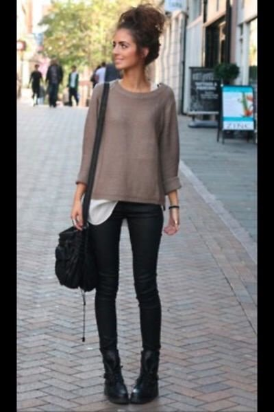 Ok so here we have a fall outfit with a nice messy bun and for the bun you'll need some bobby pins