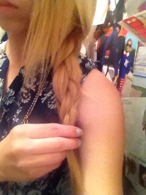 Then, make a basic side braid 😊👍😜
