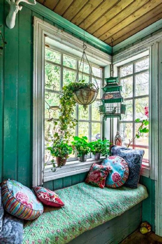 Turn a window into a space for dreaming