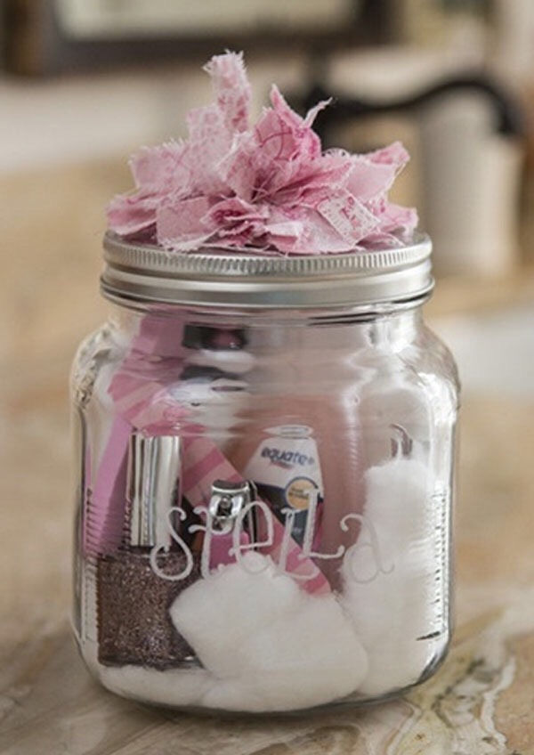 Mani-Pedi in a jar This jar is perfect for people who love to get their nails sparkled and painted up! Start by putting in cotton in the bottom and 1-2 nail polish remover in bottles in the jar. (Make sure the bottles can fit inside.) finish by setting some nail polish and nail files inside.💕