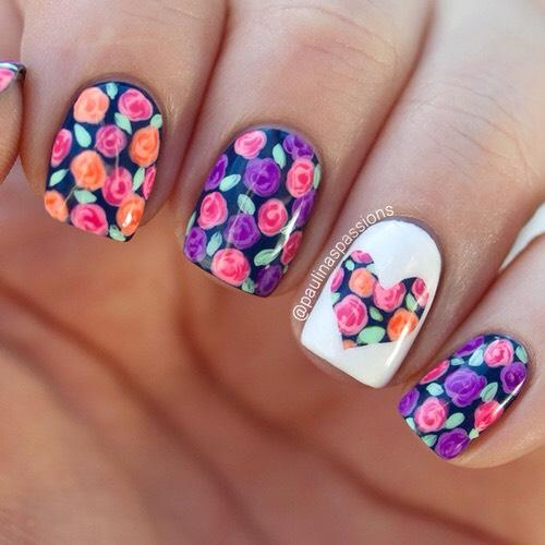 Beautiful flower nail art.