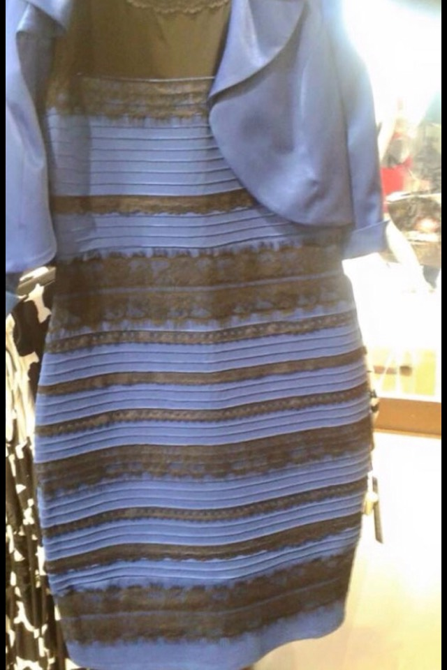 What colours do u see white and gold or black and blue 👈 iv seem both