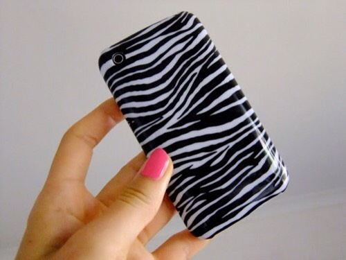 Ok, every #girl has either had, or is still going through, an animal print phase. To do this, grab a black Sharpie, pull up some print photos for guidance, and get to work. Keep in mind that it doesn't have to look so realistic. Buy a colored case and just add the spots or stripes.