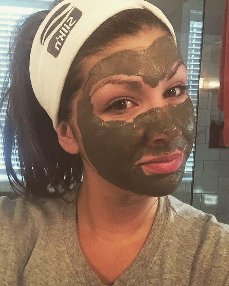 Drumroll please... You can finally say goodbye to PMS pimples! This Alaskan mud mask is here to save your complexion and it's GLORIOUS.