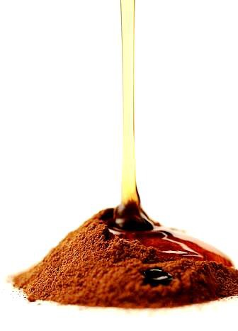 Treatment four: Cinnamon and honey mask It may become very effective on your skin or may not. But there is no harm in trying it. Just mix the two ingredients together and apply on your face to leave to the next morning. The pimples may disappear overnight and give a pimple-free fresh look.