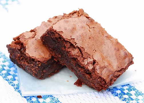 These tips can improve any recipe, but let's start with the basics.   1: RECIPE CHOICE  Any recipe that includes an icing or glaze is a no go, proper brownies are far too rich for that. They also shouldn't call for baking powder or soda, these will give you a cake like texture.