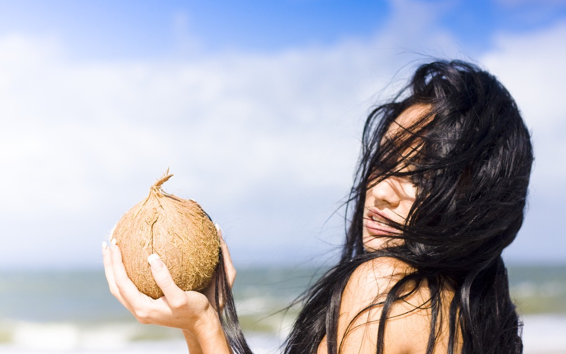 🌴 10 Beauty Uses For Coconut Oil