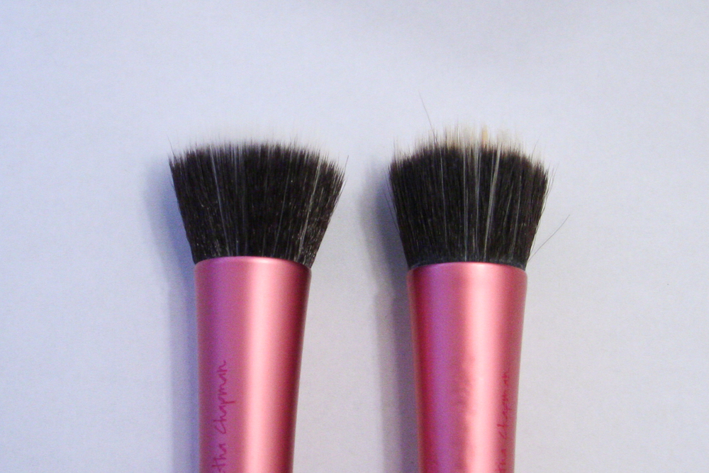 using a stippling brush to apply foundation means you can get a more even look and avoid foundation brush lines on the skin