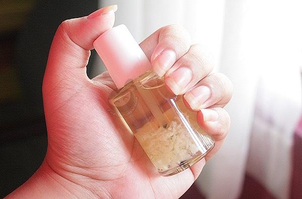 Garlic nail polish