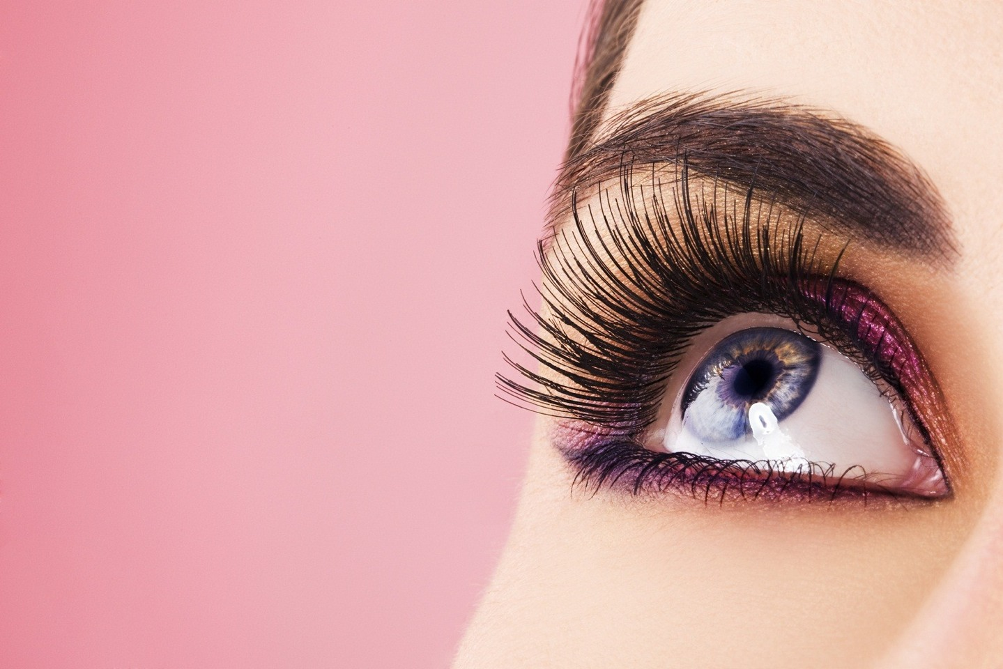 If you have red or blonde eyelashes, choose light brown for a casual look, and dark brown for night time. If you have dark eyelashes, use dark brown or black in the day, and black for more the night drama.