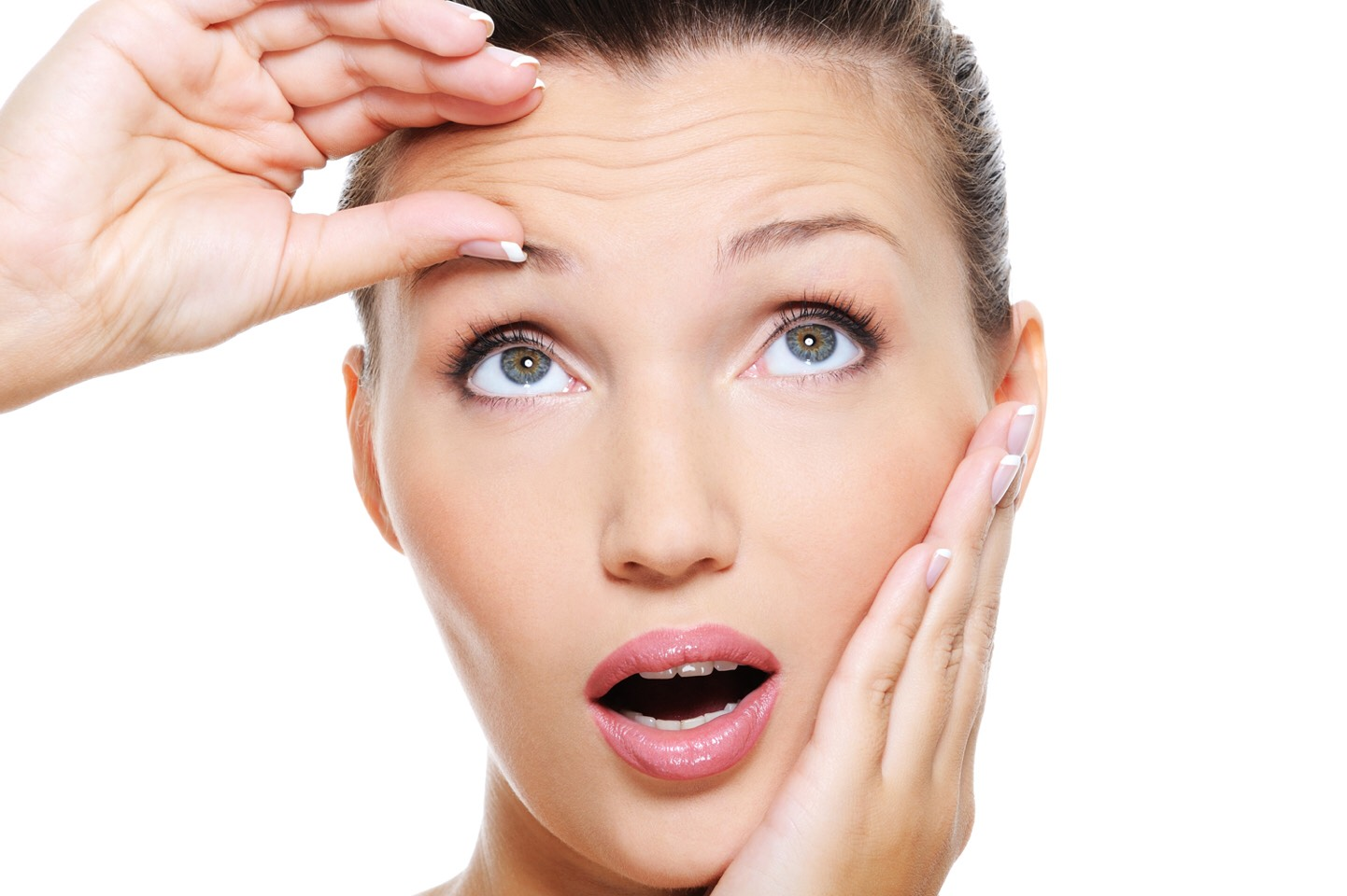 Wrinkle Reducer – Rub the inner portion of the peel over your target areas. Leave on for 30 minutes before rinsing. Some say they also leave on over night and rinse it off in the morning, letting the banana work its magic while they sleep.