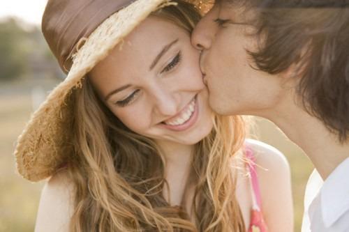 Cheek kiss ~I like you I love you~