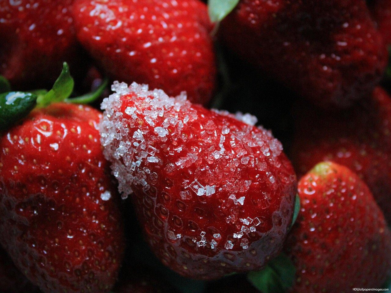 Yes the original strawberries and sugar, the sugar pull out the natural sweetness of the strawberry. Of course if you're wanting to loose weight you can use and artificial sweetener such as sweet-n-low
