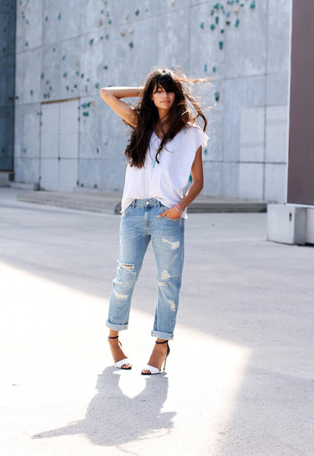 Loose Boyfriend Jeans. (Cover up cellulite in style!!)