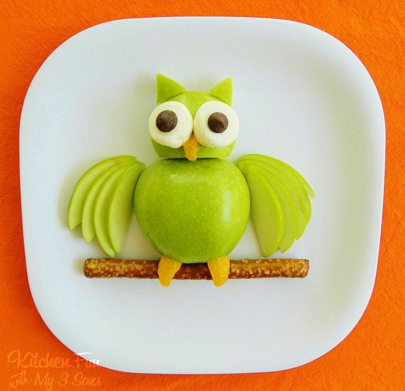 Look at the Birdie All you need are a few food staples to re-create this nighttime friend.