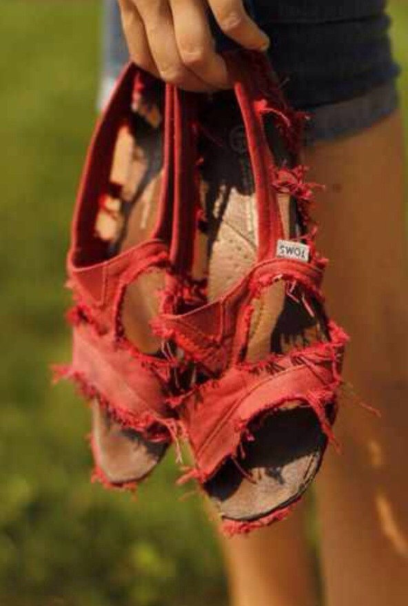 Turn them into DIY sandals! No more throwing away toms! And they're super cute!