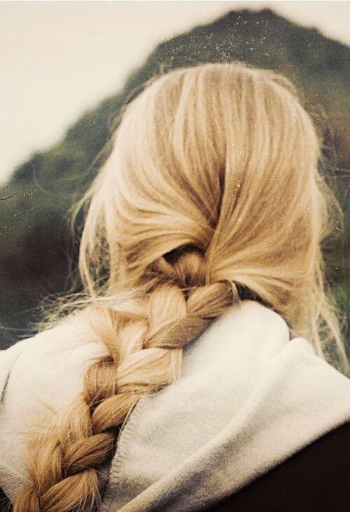 Loose 3 strand braid.🌲
