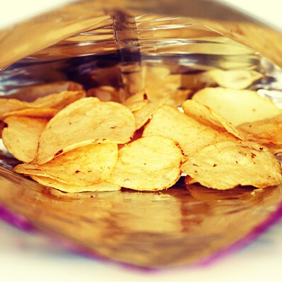 1. Count Your Chips (and crackers) You can't eat your chips from a big bag because it's way too tempting to eat until the bag is empty. Stick to one serving, that's about 15 chips, and save yourself 1,120 calories.