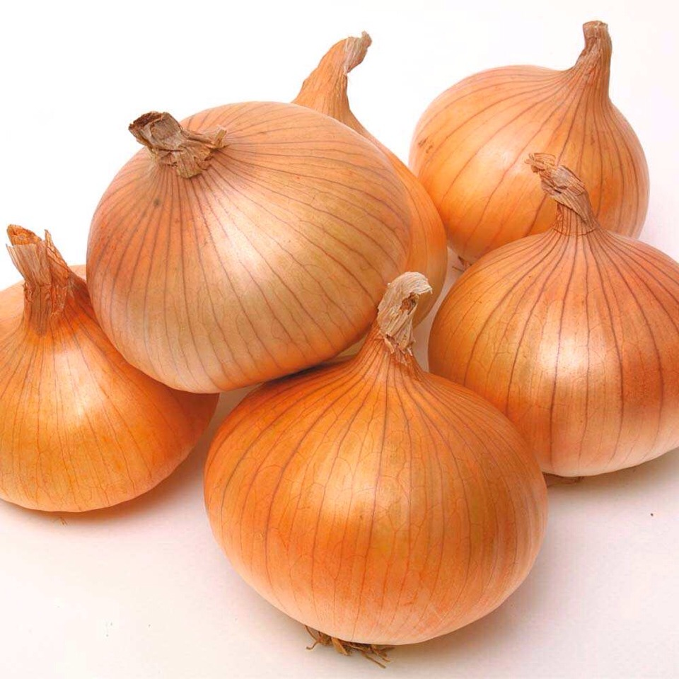 Slice the onion into slices ,about 1cm in width . Place a slice under each foot then put a sock on .best results do at bedtime and take off when you get up .