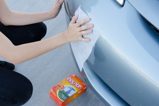 4. Or, get dead bugs off your grille with dryer sheets.