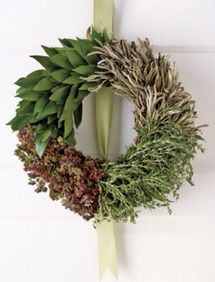 For food fans: Combine sage, oregano, rosemary, and bay leaves to create a culinary wreath inspired by savory holiday dishes.