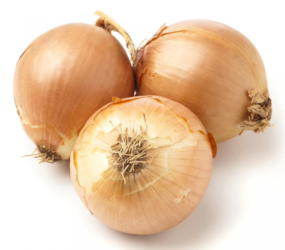 Sometimes onions can be too strong and overwhelm some people but here is a quick tip to get a mild onion flavor!   You can either use a whole onion or just cut what you want. Then in a bowl put salt and water and wait at least 5mins. drain and use! The flavor is not over powering and so good!