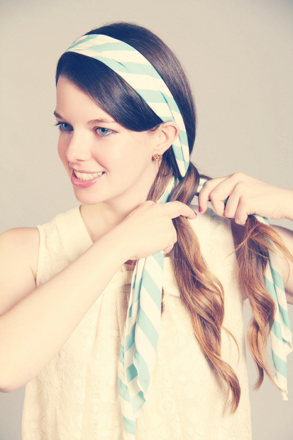You can even wear it as a headband and seamlessly encoreporate it into a classic 3 strand braid!