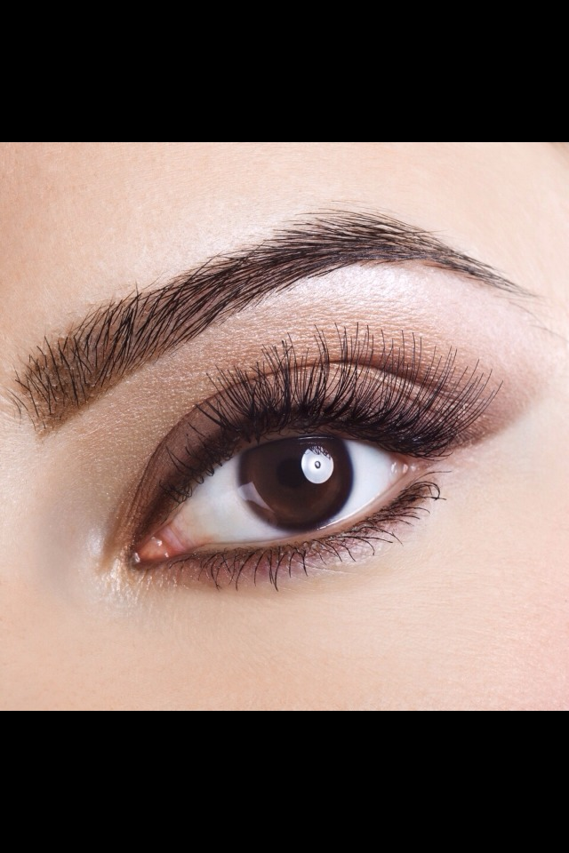 5.Apply to your lashes to make them grow longer