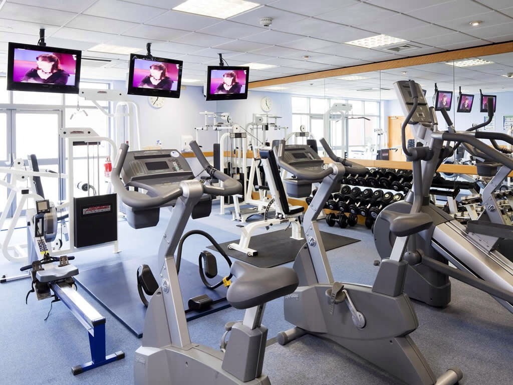 Inexpensive: We all know just how expensive gym memberships can be. Depending on the facilities and range of machines they provide, the price goes up. There are discounts and sales for gym memberships but do you really need another direct debit going out of your account each month?