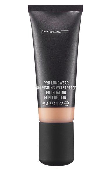 Optional: I often use the MAC  waterproof foundation, or you can opt for a foundation that is not mattifying because you have already so many products that are already mattifying.