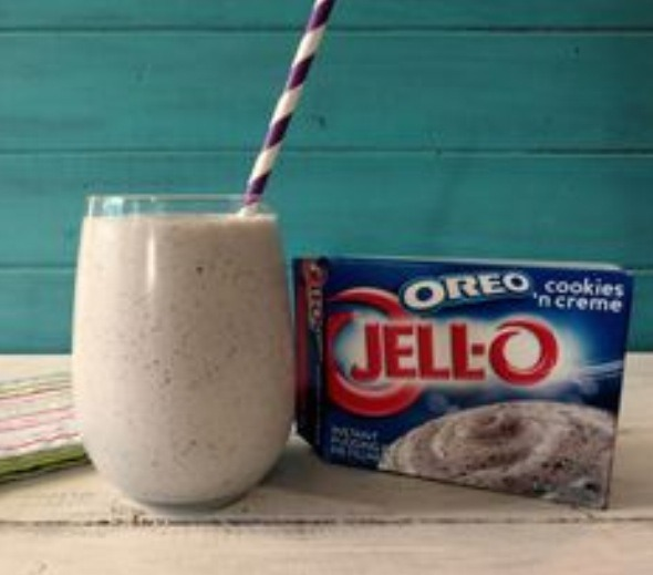 http://www.peanutbutterandpeppers.com/2013/06/28/oreo-cookies-and-cream-smoothie/