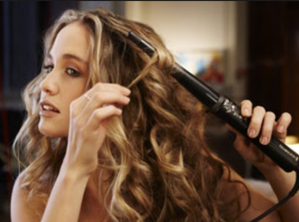 Curling your hair with a curling wand
