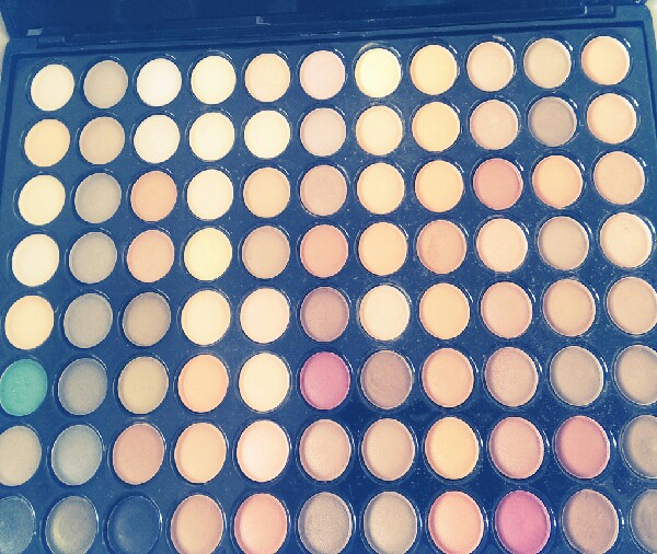summer make up tutorial with an 88 pallete:')