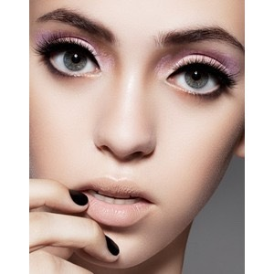 Don't overdo your lips if you do your eyes:Teen girls who wear heavy eye make up and dark lipsticks look clownish. If you don't want to fall in the same category, don't overdo your lips if you do your eyes and vice versa. If you like to apply heavy mascara or eyeliner, do not go for dark lipsticks.