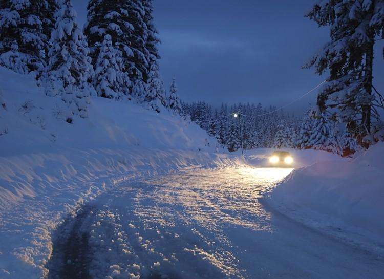 Headlight Protection You NEED your headlights in the winter. So, in order to keep snow from sticking to them and covering them up, rub car wax (normally reserved for the body) on them. It will keep snow and water from sticking to them for weeks!