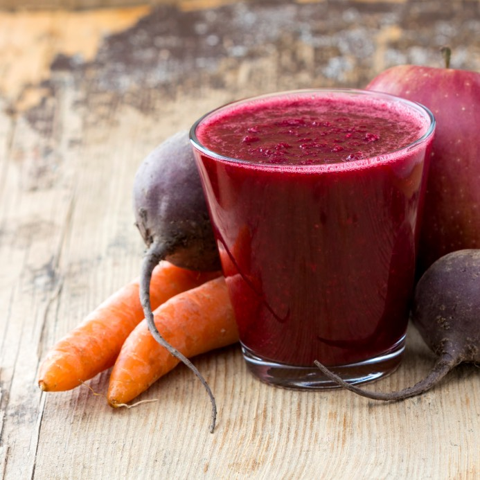 Carrot beat smoothie   1 carrot (peeled and sliced) 1 beat (peeled and sliced) 1/2 a cup of red grapes 1 clementine (peeled) 1/2 a cup of green tea 1 slice of ginger (peeled and about the size of a quarter)