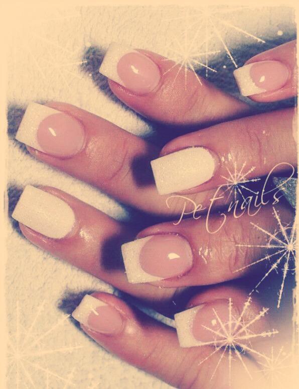 http://fashionsy.com/19-gorgeous-bridal-nail-ideas/