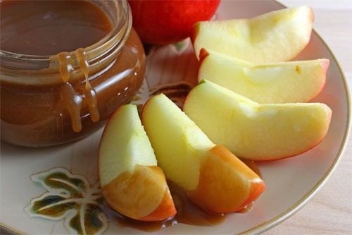 Don't go overboard on the caramel but apple slices with a little caramel taste amazing!! It's really good with peanut or honey too