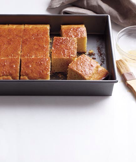 Maple Corn Bread Moist, fluffy corn bread gets its sweetness from pure maple syrup.  http://www.realsimple.com/food-recipes/browse-all-recipes/corn-bread-00100000068378/index.html