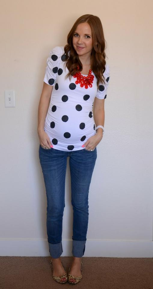 cute maternity shirt and jeans