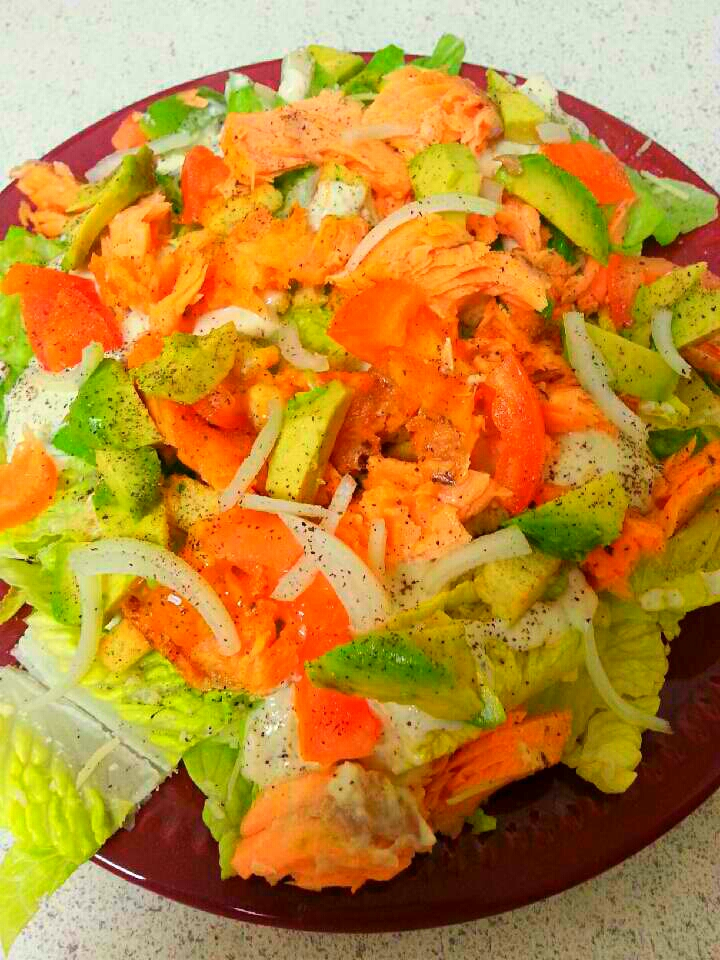 Light Caesar Salmon Salad for Lunch or Dinner! 😋😋🍴🍛 #Healthy #Fresh