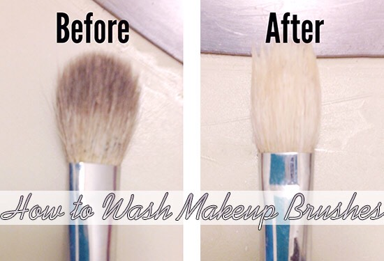 Rinse til soap is off and you got yourself a clean brush . 😊