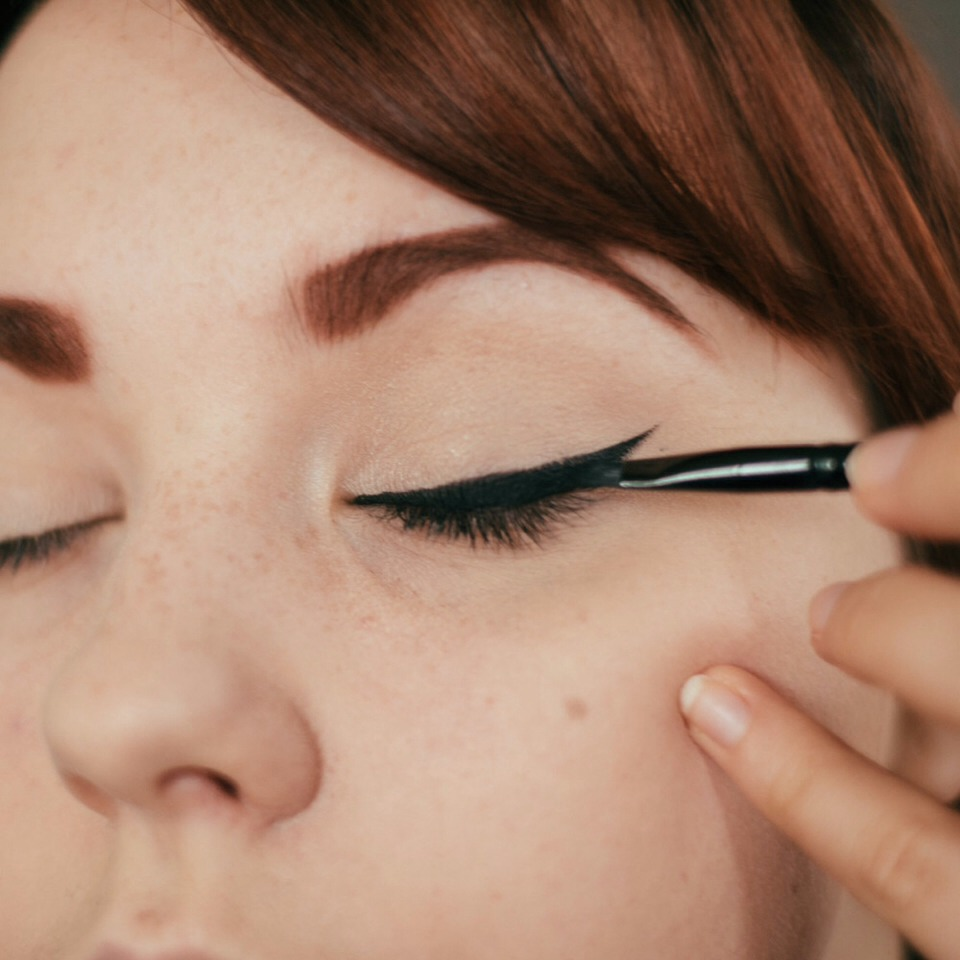 How To Apply Eyeliner: