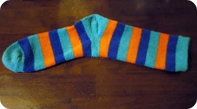 DIY Monster Sock Puppet - 5 Steps by Maricel Bianco - Musely