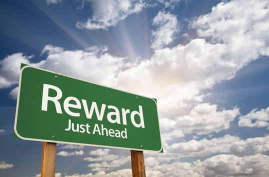 Reward yourself as you are studying. If you're in advance, reward yourself with watching your favorite tv show. Any kind of reward is good, it's called positive reinforcement!