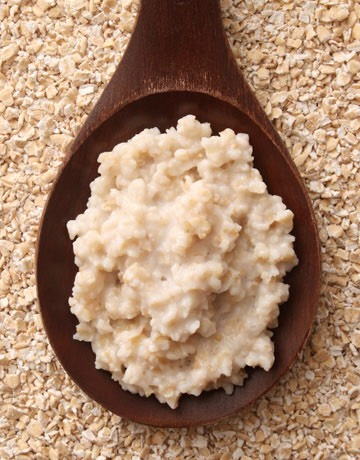 OATMEAL | Mix 1 tablespoon of oatmeal with 2 tablespoon of yogurt & place it in the refrigerator for a few hours. Then apply this paste to your skin for 30 minutes & wash off with lukewarm water. You can also make a paste of ground oatmeal, lemon juice, gram flower & rose water.