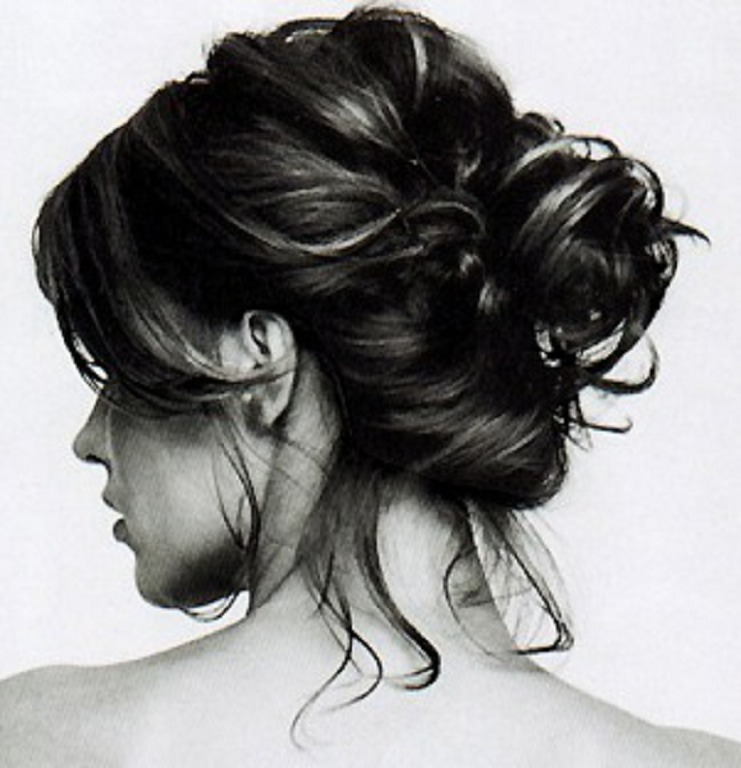 Try To Keep Your Hair Out Of Your Face. Hair Has Natural Oils That Can Build Up On Your Skin If You Frequently Wear Hairstyles That Leave Hair Falling Into Your Face.