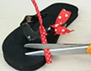 d466af37527851 DIY Mini Mouse Flip Flops Perfect For All Ages by Lisa Marie    - Musely