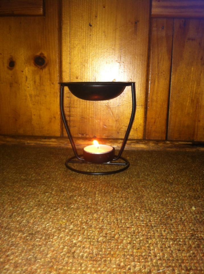 Simple dollar tree oil burner! And tea light!